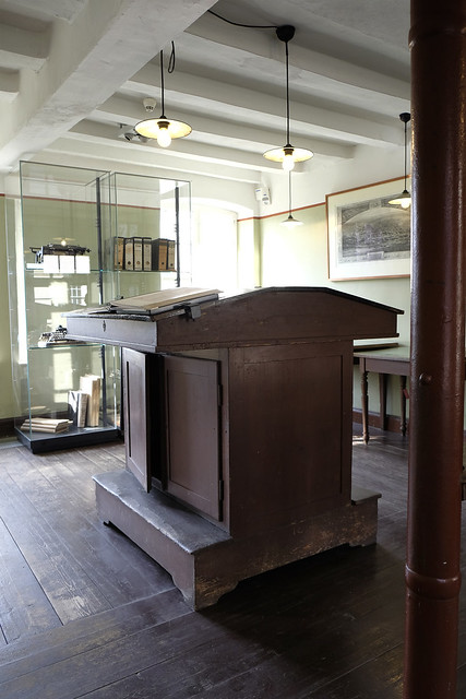 Countinghouse Lectern