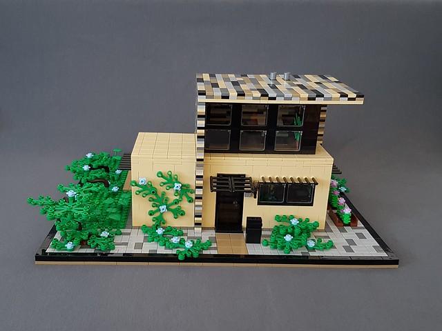 Vanilla House MOC front