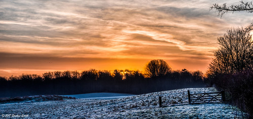 2018 march spring geddington newton northamptonshire eastmidlands uk england english earlymorning dawn nikon d7200 hdr tonemapped nature natural landscape frost frozen sky clouds cloudscape fields woods hedgerows sycamoretrees trees countryside colour contrejour backlighting cool warm tranquil scerene blue red orange peaceful beauty fence gateway sunrise