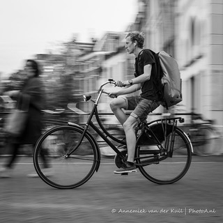Fietser in Utrecht 2/3 | by PhotoA.nl