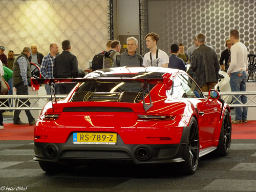 2018 Porsche 911 GT2 RS Photo