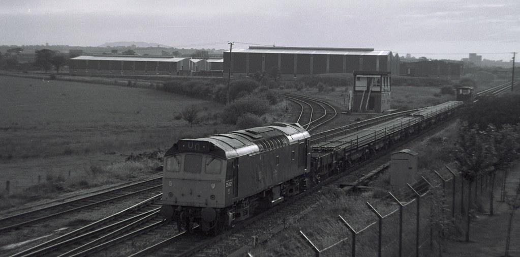 25-112-long-welded-rail-from-Hookagate-Madeley-Junction-25