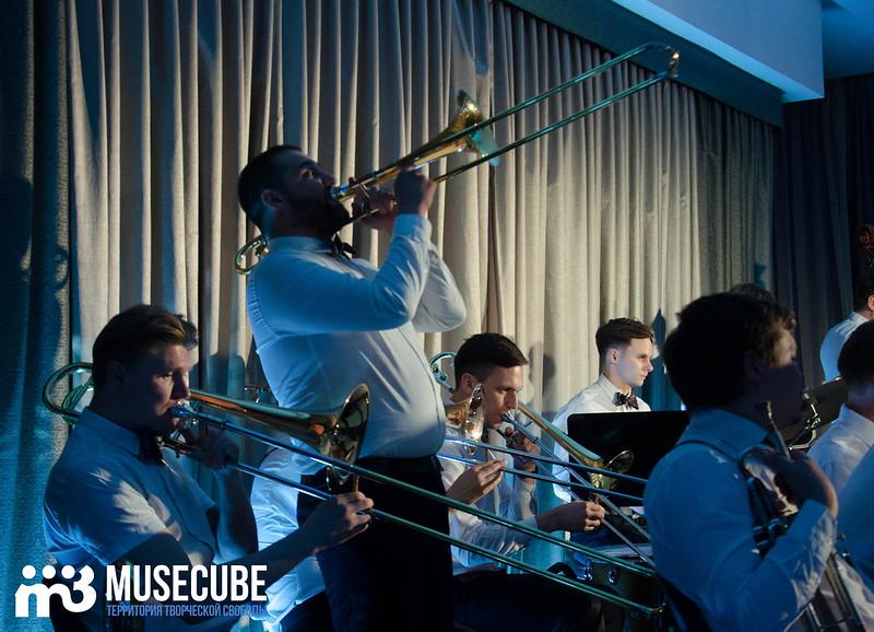 Большой джазовый оркестр-053