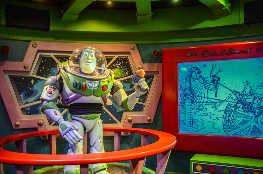 Buzz Lightyear animatronic TDL