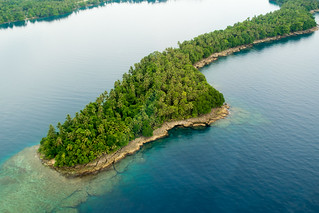 PNG Islet | by Lomacar