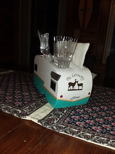 camper shasta 1960s picnic picnictable diy woodworking crafts camping glamping centerpiece