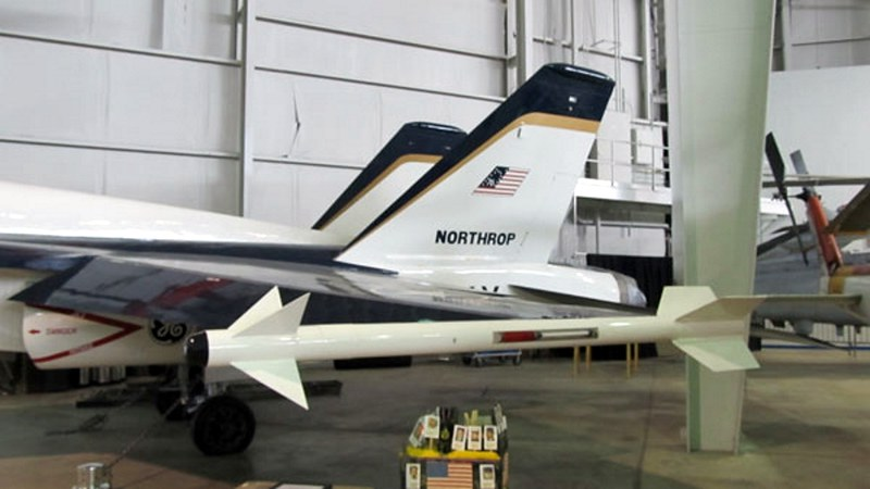 ノースロップYF-17Cobra3