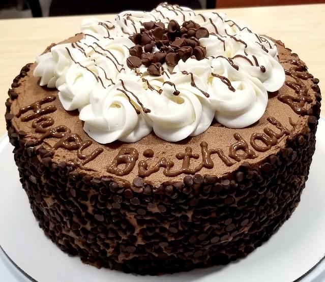 Vegan Chocolate cake with Vanilla bean rosettes-Sweettonescupcakes