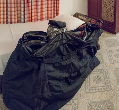 Fahrrad für den Flug verpackt   by seghal1