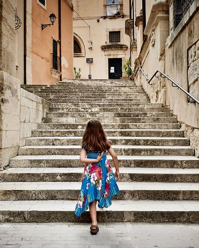 Up the stairs #ragusa #ragusaibla #sicily #sicilia #stairs #architecture #kid #mylittlebabygirl #Margherita #walking #dress #style #cute #lovely #igers #igersitalia #photooftheday #picoftheday #up | by Mario De Carli