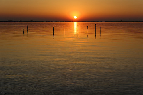 sunset nature sea reflection sun dusk water sunlight sunrisedawn sky summer beach outdoors orangecolor landscape lake silhouette morning scenics tranquilscene 989