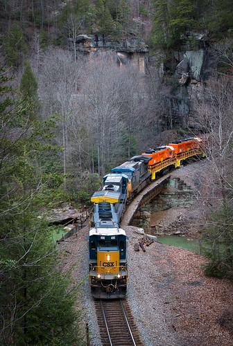 csx csxt q541 train trains emd locomotive rail road rails tennessee morley clear fork canyon mountain scenic hog heart georgia gp382 gw
