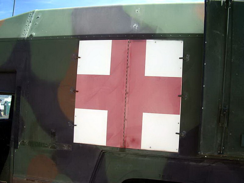 HMMWV M997 Ambulance 4