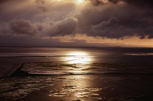 nikonf6 fujivelvia100 nikkor24120mmf4gedvr film analog 35mm bayarea california sunset sky clouds sanfranciscobay ocean goldenhour coyotehills fremont
