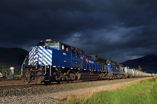 montanaraillink mrl gastrain gaslocal pipeline thompsonfalls montana stormlight storm clouds darkclouds emd sd70ace 4312 mrlfourthsub mrl4thsub