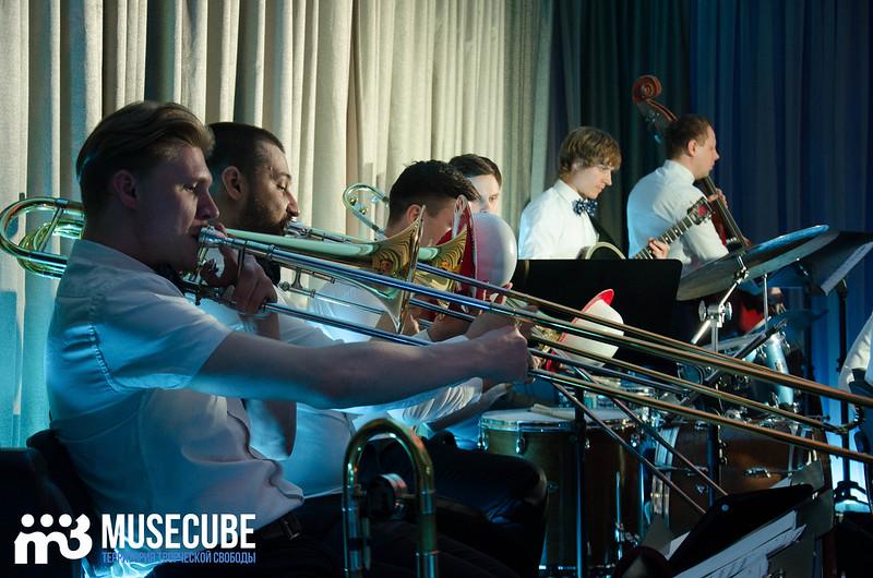 Большой джазовый оркестр-037