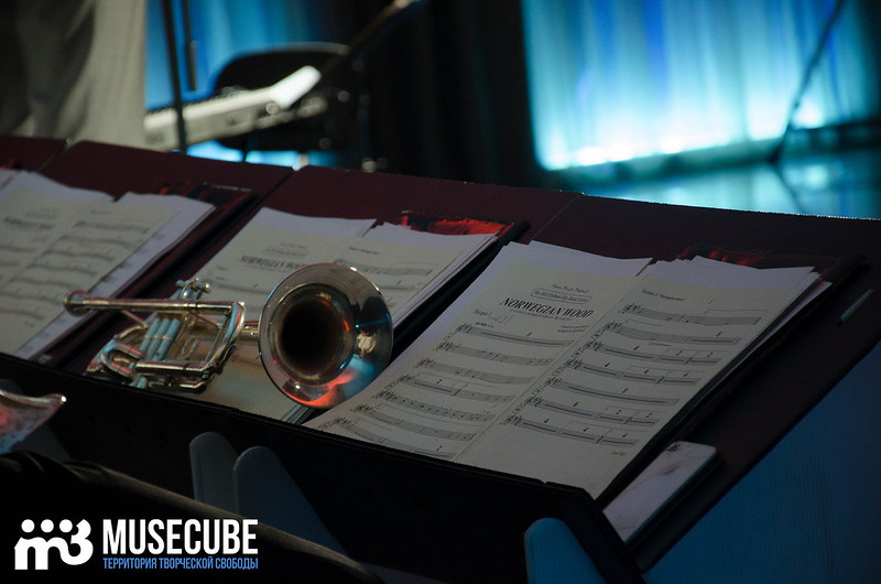Большой джазовый оркестр-051