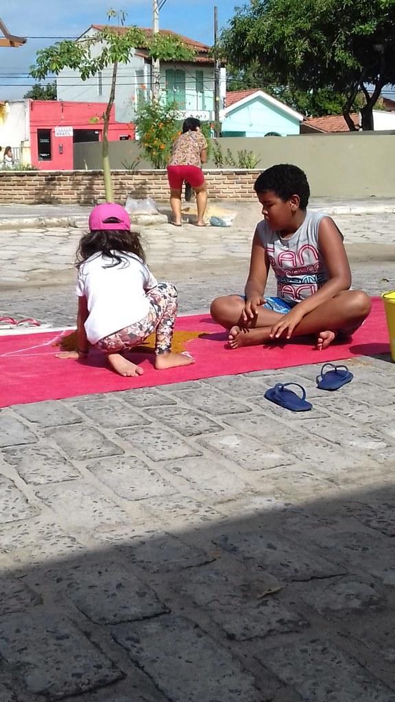 Confecção de tapetes mantém a tradição no feriado de Corpus Christi em Prado (18)