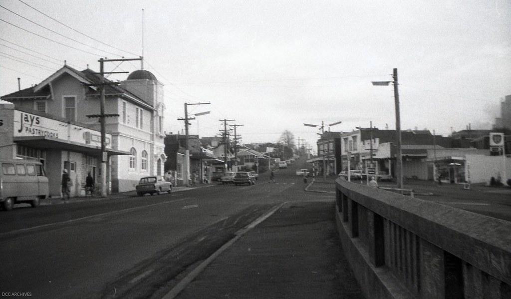 Roslyn Shopping Village, c1978