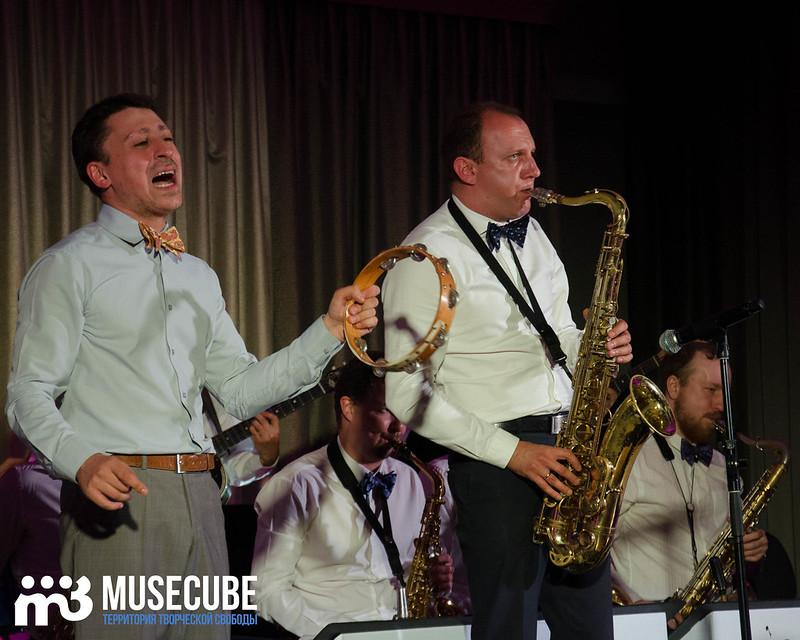 Большой джазовый оркестр-078