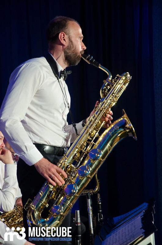 Большой джазовый оркестр-060