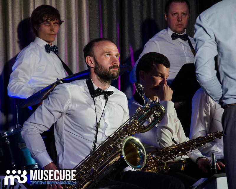 Большой джазовый оркестр-072