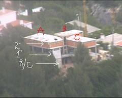 Pormenor onde são visíveis 3 pisos em 3 zonas distintas