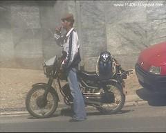 Amolador e sua motorizada