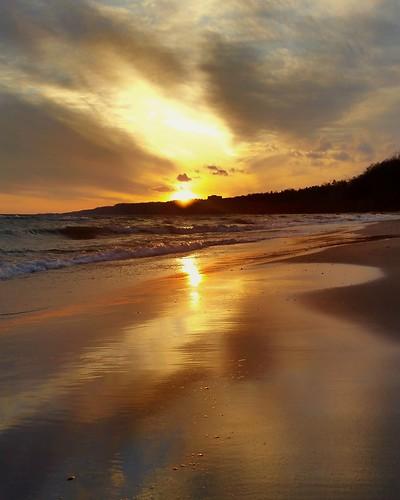 sun glisten water sunset beauty toronto quiet reflect