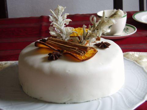 Glühweinkuchen im festlichen Kleid 012