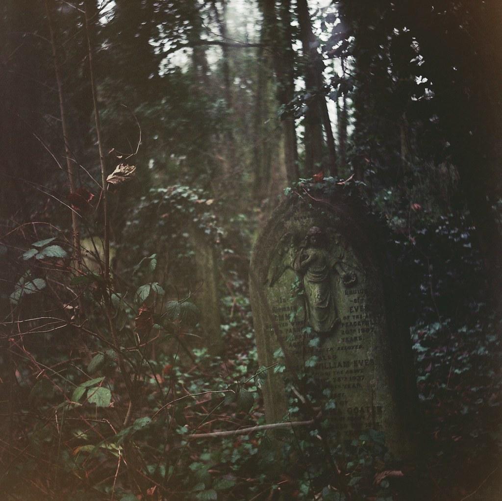 Gravestone - Nunhead Cemetery