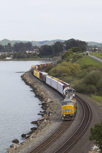 pinole california unionpacific railroad railway freight train emd sd70m sd59mx sd60m rebuild locomotive