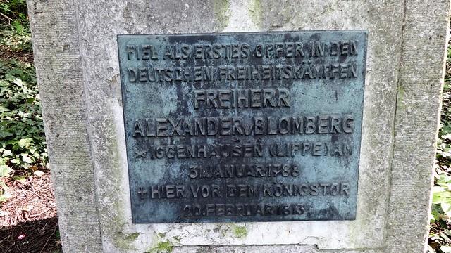 1913 Berlin Tafel am Denkmal für Alexander Freiherr von Blomberg (1788-1813) von Otto Kuhlmann Otto-Braun-Straße/Friedenstraße in 10249 Friedrichshain