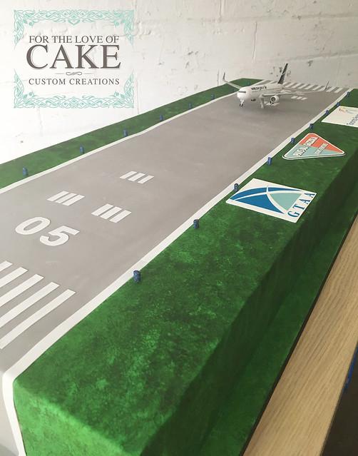 C2095-pearson-airport-runway-airplane-cake-toronto