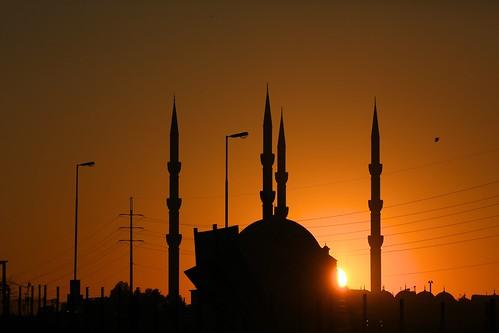 sunrise winter shortestday 21st june 2018 midrand mosque sin wires cars dawn alba johannesburg nizamiyemasjid nizamiye masjid