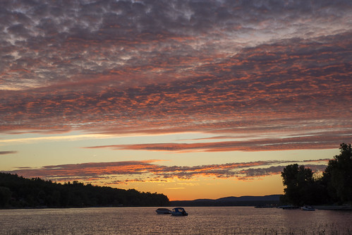 twilight riverscape ottawariver buckhamsbay cloudscape pink