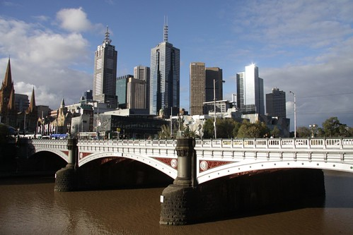 Princes Bridge with the Melbourne skyline behind