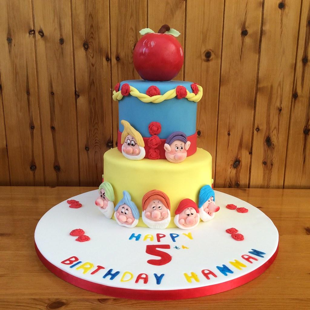 Fabulous Snow White Birthday Cake Snow White Cake For Hannahs 5Th Flickr Funny Birthday Cards Online Alyptdamsfinfo