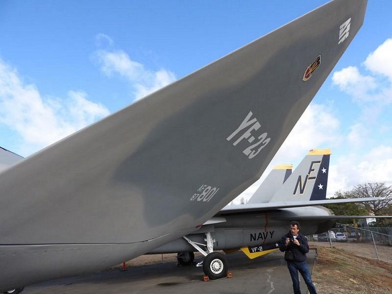 Northrop YF-23 5
