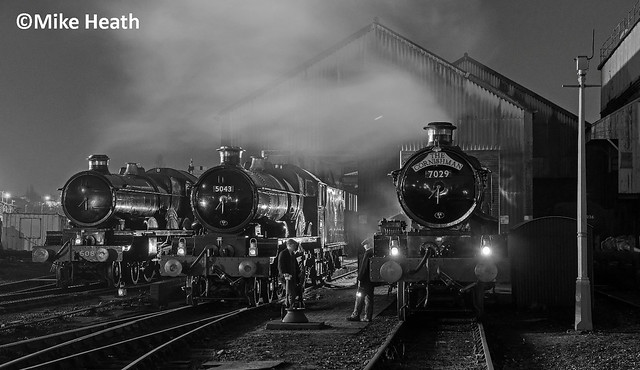 Castles on shed at night - Tyseley - 13 April 2018  (7)
