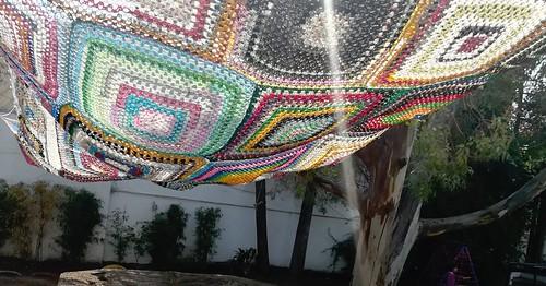 Entra la luz al arenero por nuestro tejido. #EnelProme #arenero #preescolar #Puebla #tejido