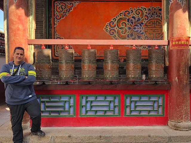 Sele en un templo budista tibetano