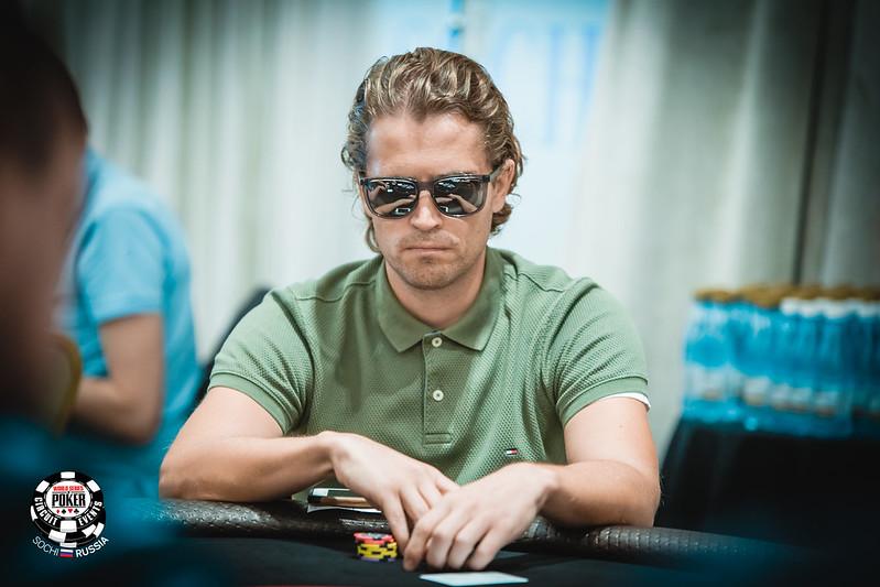 как играть в казино вулкан на реальные деньги без вложений с выводом денег