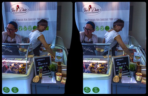 streetphotography urban citylife berlin ice cream vegan vegmed icedate eismanufaktur crosseye crossview xview pair freeview sidebyside sbs kreuzblick 3d 3dphoto 3dstereo 3rddimension spatial stereo stereo3d stereophoto stereophotography stereoscopic stereoscopy stereotron threedimensional stereoview stereophotomaker stereophotograph 3dpicture 3dimage twin canon eos 550d yongnuo radio transmitter remote control synchron kitlens 1855mm tonemapping hdr hdri raw availablelight