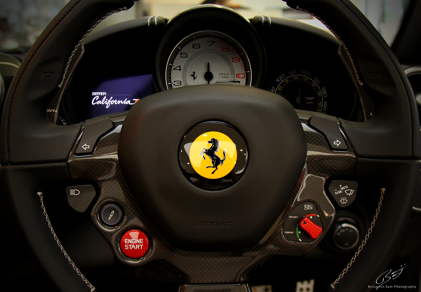Ferrari California T Dash