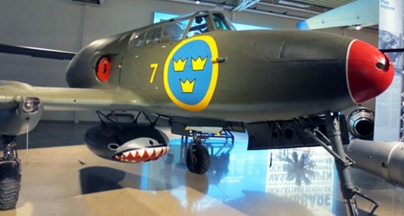 Saab J-21 R 1