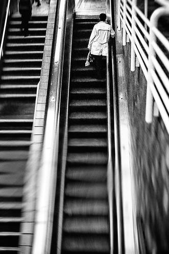 briburt pentax k1000 film trix blackandwhite bw monochrome transportation escalator transiit portersquare station cambridge massachusetts lone lonely contrast composition lines mbta redline