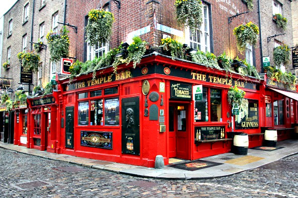Dublin's Fair City: The Temple Bar