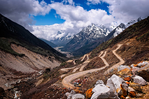 sikkimindia2018 sikkim india in road zeropoint yumthangvalley lachung