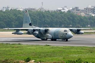 KAF326 - Kuwait - Air Force Lockheed KC-130J Hercules.